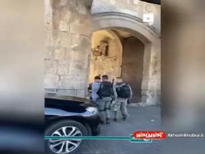 ضرب و شتم وحشیانه کودکی فلسطینی به دست نظامیان اسرائیل