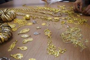 توزیع طلای تقلبی در بازار دهدشت