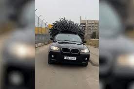 رانندهای که برای «BMW» خود موی بادکنکی کاشت!