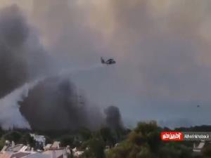 آتن یونان در آتش مهیب می سوزد