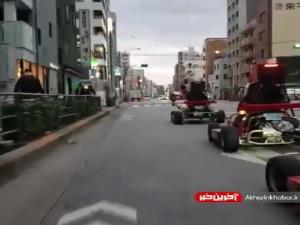رانندگی در مرکز شهر توکیو با اتومبیل های بازی