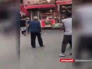 ویدئویی از فردی که با تبر و چاقو به شهروندان گرگانی حمله میکند