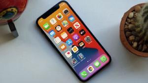 گوشی موبایل سری ۱۲ اپل در آزمایش روشنایی صفحه برتر شد