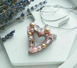 آموزش ساخت گردنبند جواهر دوزی