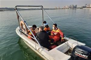 علت تلفات برخی ماهیان دریاچه چیتگر تهران گرمی هوا تشخیص داده شد