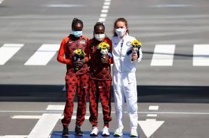 دوندگان کنیایی برنده طلا و نقره ماراتن زنان المپیک شدند