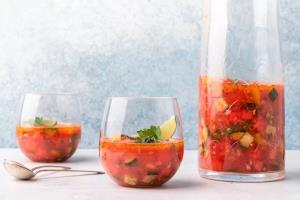 «سوپ هندوانه» عصرانهای متفاوت، خنک و خوشمزه
