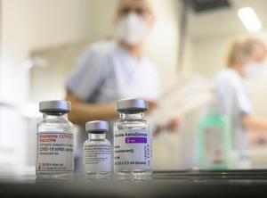 واکسیناسیون در ایران بیتاثیر نیست، شایعه نسازید