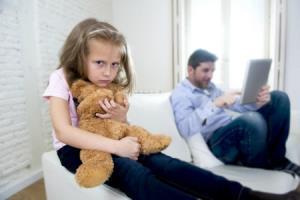 علت بی توجهی والدین به کودکان چیست؟