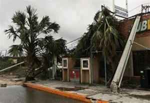 طوفان موجب قطع برق بیش از 100 هزار آمریکایی شد