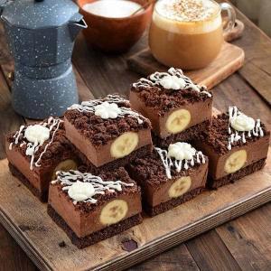 طرز تهیه اسلایس چیز کیک خوشمزه با موز و خامه