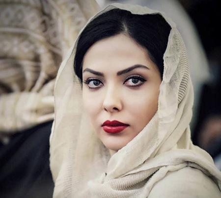 چهره ها/ یادگاری های جالب لیلا اوتادی از دوران دبستان
