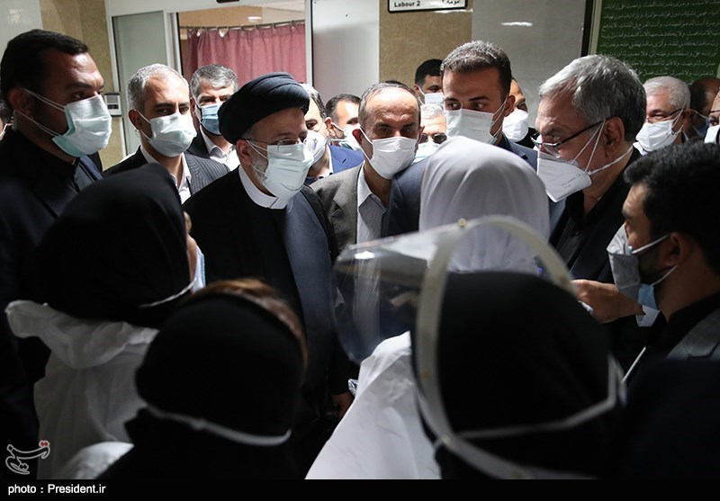 عکس/ بازدید رییسی از بیمارستان اهواز