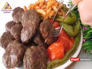 گوشت قلقلی با دورچین پاستا و سبزیجات