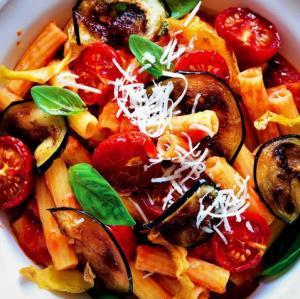 «پاستا آلانورما ایتالیایی» غذای گیاهی جذاب به روش حرفه ای
