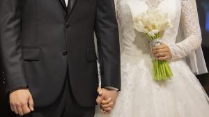 دامادی که نیم ساعت قبل از عروسی همسرش را طلاق داد!