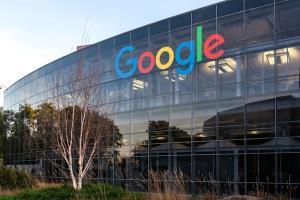 گوگل بازگشت داوطلبانه کارمندان خود به دفاتر کار را تمدید کرد