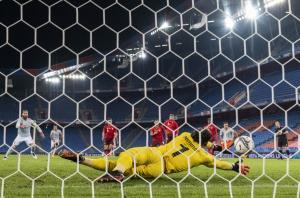 خلاصهبازی سوئیس 0 - ایتالیا 0