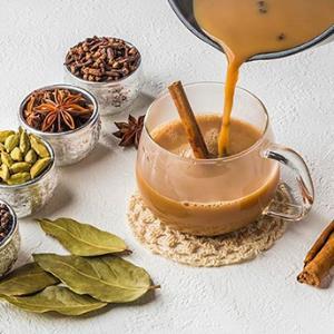 حال و هوای کافه در خانه با یک نوشیدنی پاییزی؛ ماسالا