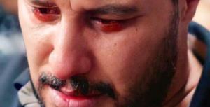 دقایقی از بازی جواد عزتی در زخم کاری با صدای محسن چاوشی