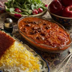 طرز تهیه خورش سیب درختی با آلو به روش سنتی تهرانی