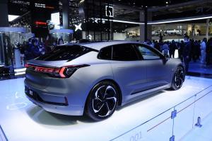 «Zeeker 001»، خودروی الکتریکی جدید و کمنظیر چینی