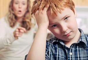بهترین نحوه برخورد والدین با کودکان لجباز