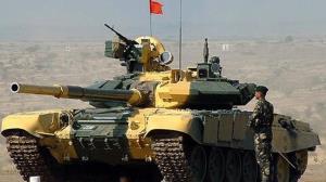 کشیدن تانک ۴۶ تنی توسط نظامیان ارتش هند!