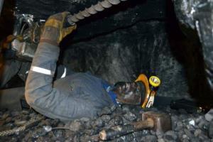 تکرار حوادث معادن زغال سنگ طبس؛ کشته و زخمی شدن ۲ معدنچی