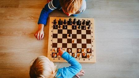 6 مورد از فواید شطرنج برای کودکان