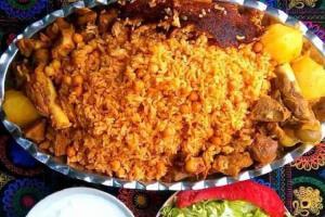 طبخ «چلو دیزی کاشان»؛ یک غذای خوشمزه محلی