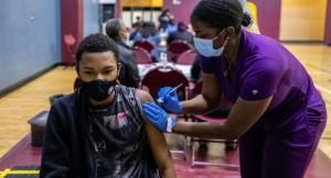 کارکنان واکسینه نشده در آمریکا از کار اخراج می شوند