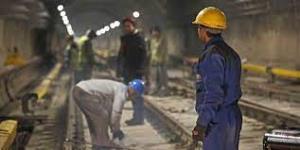 توسعه اشتغال غيررسمي هويت کارگران را نابود ميکند