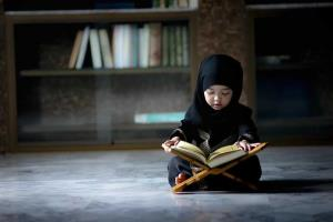 حفظ قرآن برای کودکان را از چه زمانی آغاز کنیم؟