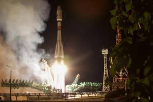 لحظه ارسال راکت فضايي سايوز روسي