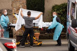 تلفات روزانه کرونا در آمریکا به 2277 نفر رسید