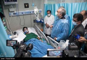 عکس/ بازديد ميداني وزير بهداشت در سفر به کرمانشاه