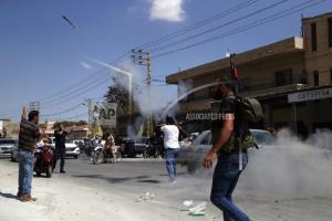عکس/ شليک آر پي جي در بعلبک لبنان به افتخار ورود تانکرهاي سوخت