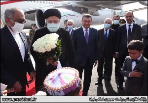 عکس/ استقبال از رئيسي در فرودگاه دوشنبه پايتخت تاجيکستان