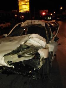تصادف شدید خودروی سواری با تریلر در بلوار سرداران شیراز