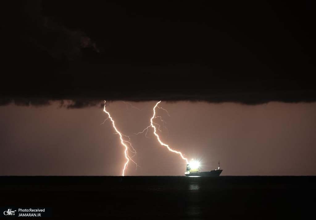 صاعقه بر فراز خلیج اسکندرون