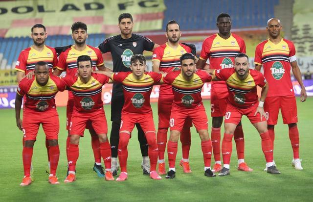 ابقای ۲۸ بازیکن از لیست نکونام در فولاد خوزستان