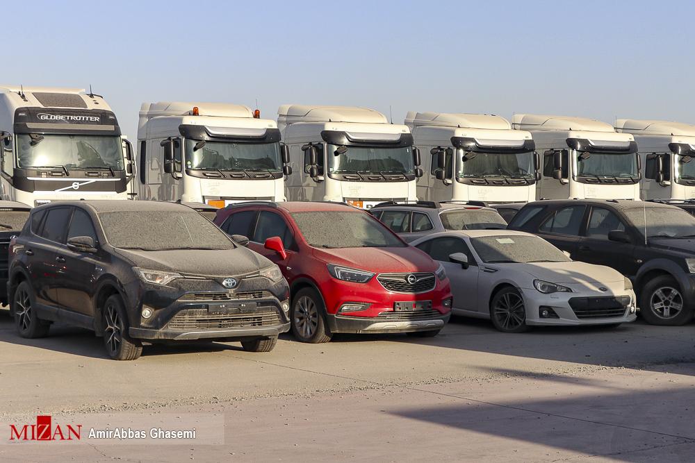 عکس های برگزیده؛ ماشین های توقیفی در گمرک تهران را ببینید