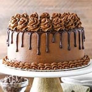 ترفند جالب تزئین کیک شکلاتی