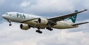 اولین هواپیمای پاکستانی پس از 10 سال در فرودگاه دمشق به زمین نشست