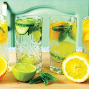 نوشیدنی ها/ روش تهیه «آب طعمدار لیمویی» سالم و پرخاصیت