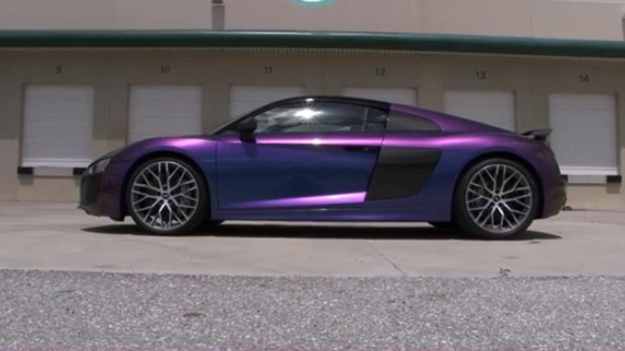 خودروي عجيبي که توانايي تغيير رنگ دارد