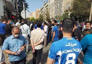 تجمع دوباره هواداران استقلال مقابل وزارت ورزش