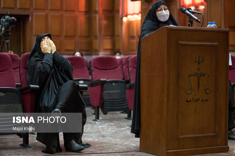 اشک های خانواده های شهدای هسته ای در دادگاه