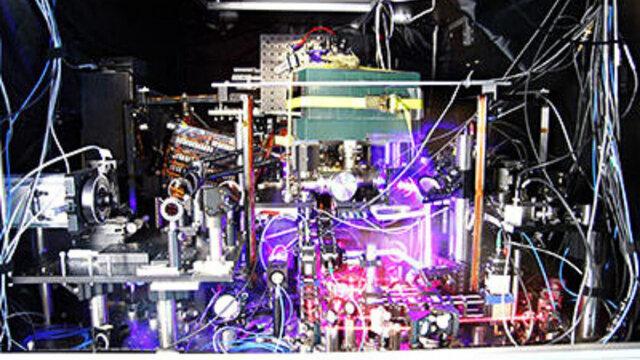 ساعت فوق دقیقی که میتواند به شناسایی ماده تاریک کمک کند